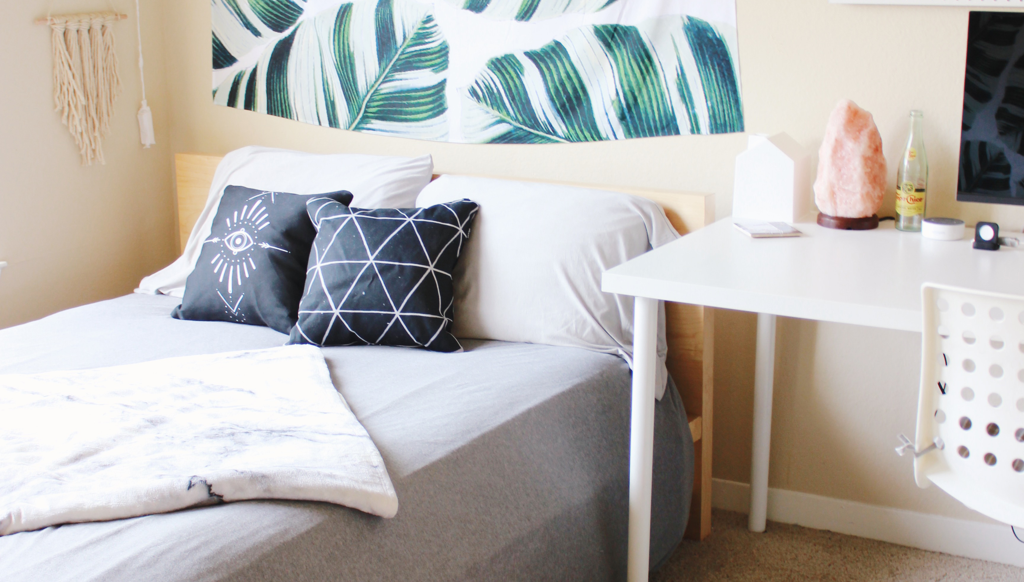 9 College Apartment Must Haves Jessica Slaughter